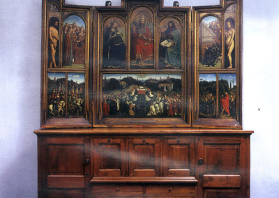 Credenza in noce massiccio - origine lombarda epoce 1700 e polittico dipinto su tavola