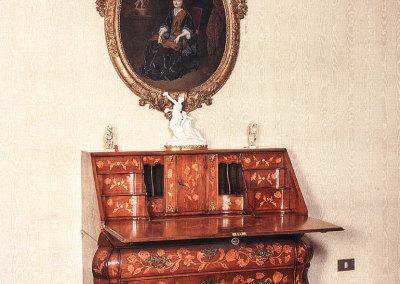 Segretaire olandese epoca 1750